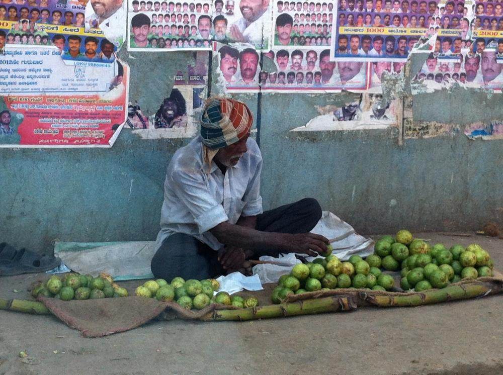 varthur fruit seller