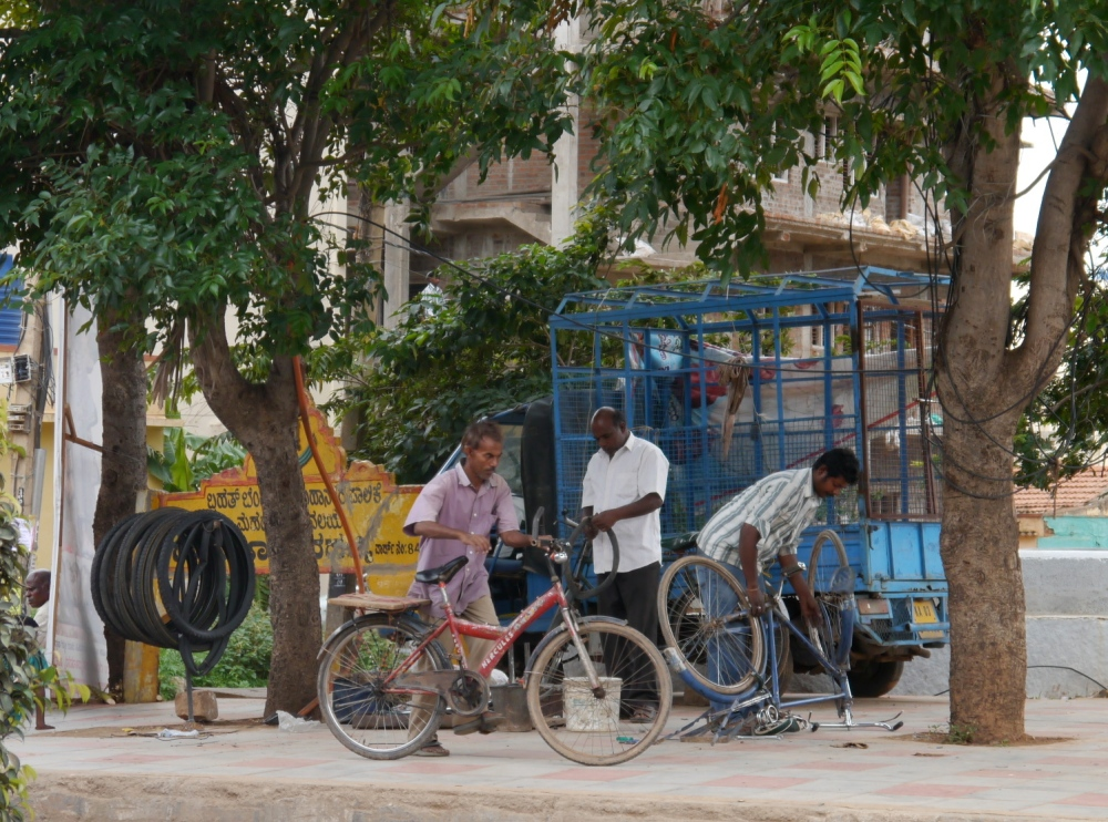 Cycle repair shop