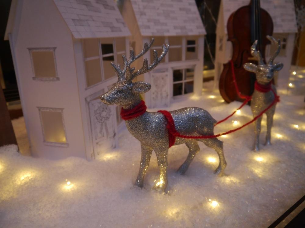 reindeer violins 2