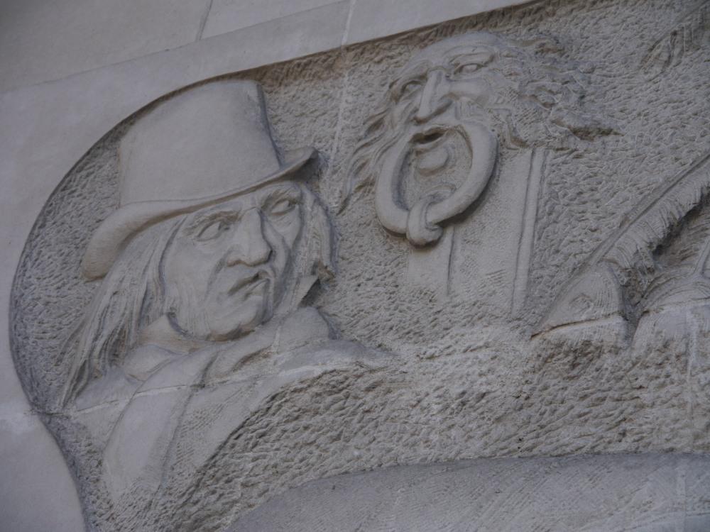 Charles Dickens - scrooge sculpture