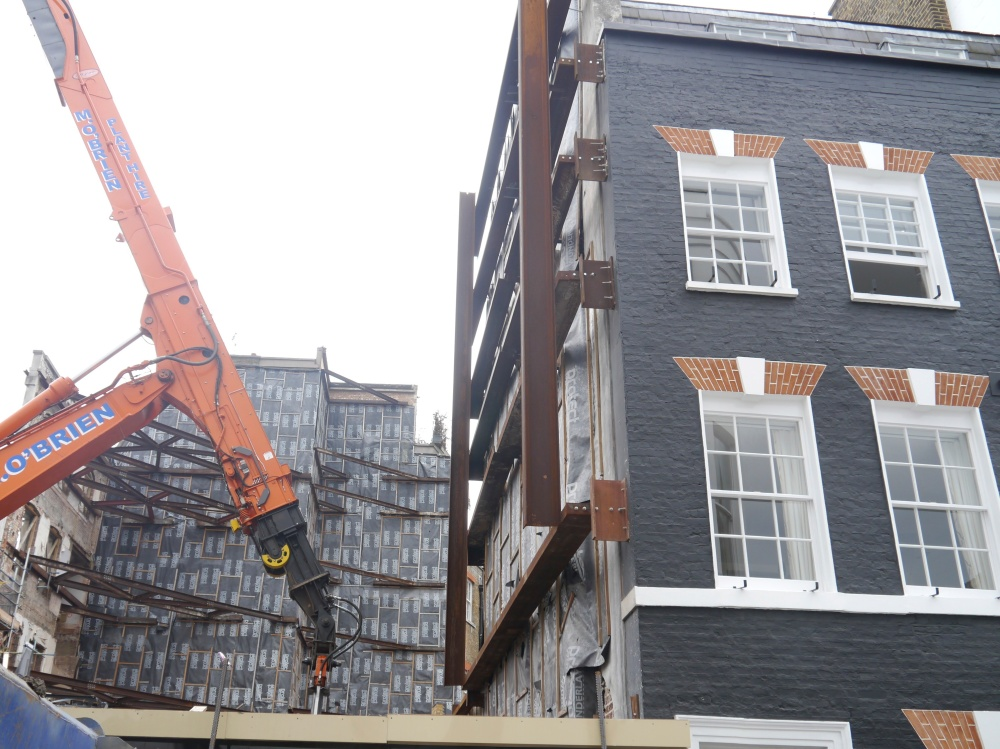 Deanery Street crane
