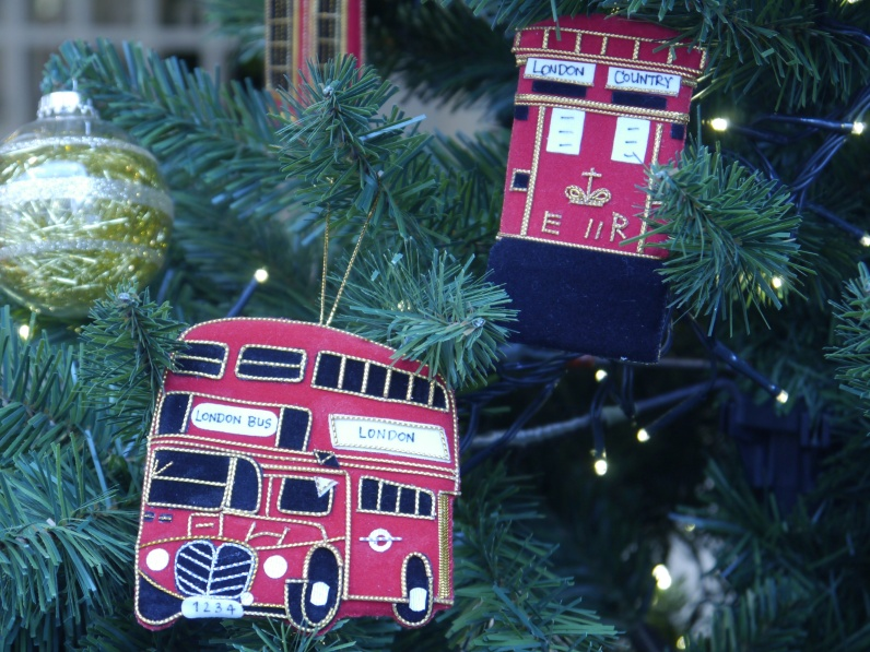 Decorations Postbox and Bus