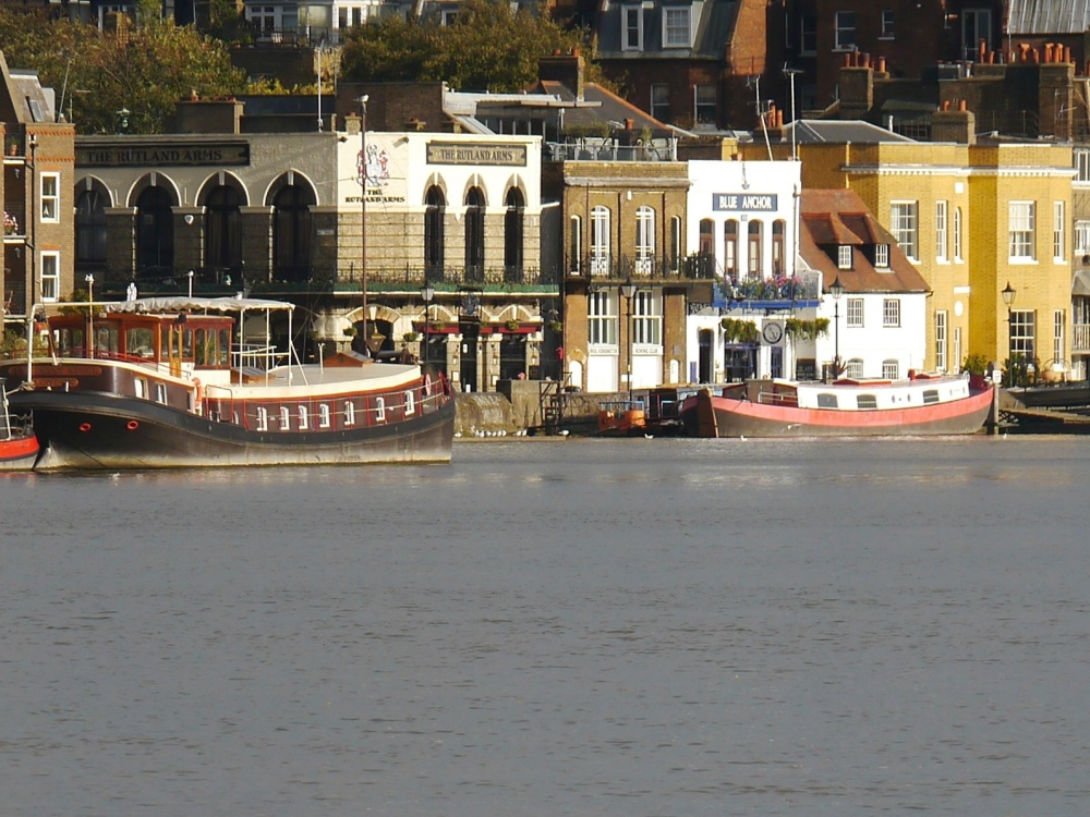 Hammersmith pubs and boats