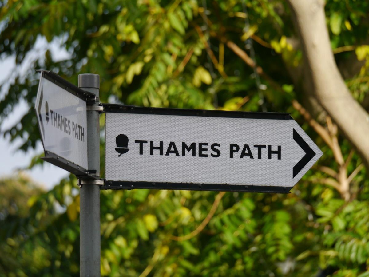 Thames Path: Chiswick Mall
