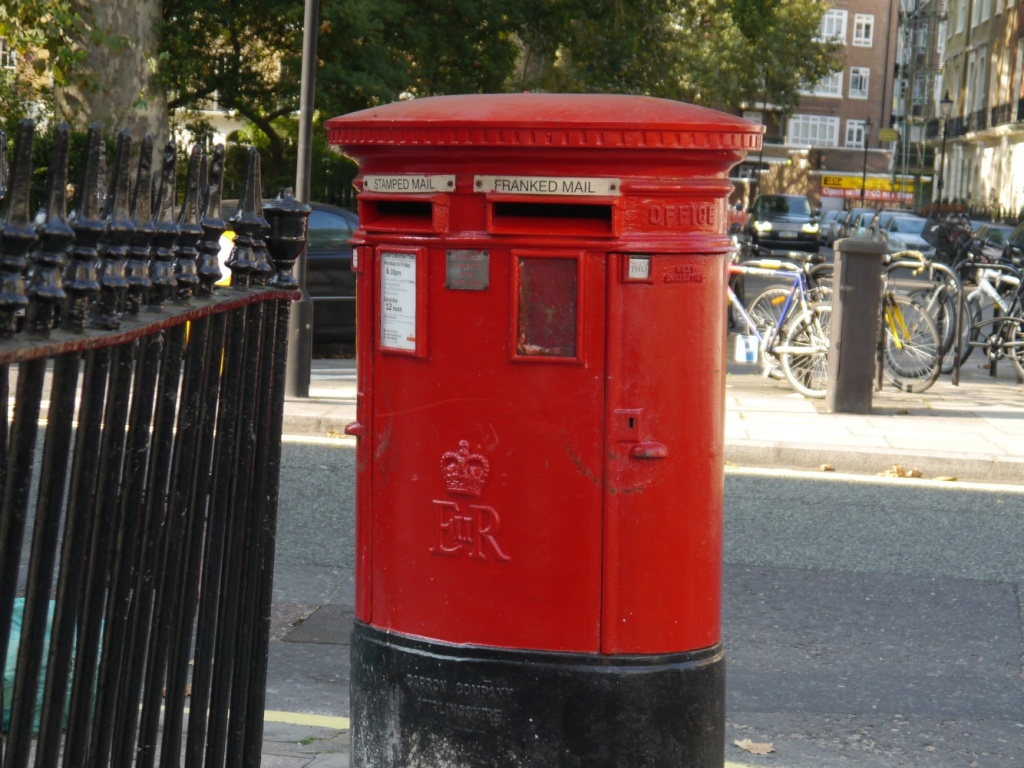 postbox connaught sq (1)