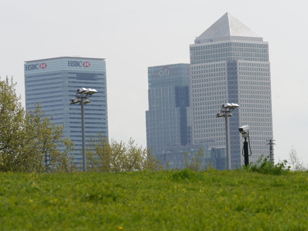 Canary Wharf from towpath