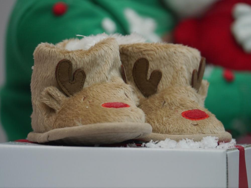 baby reindeer slippers (1)