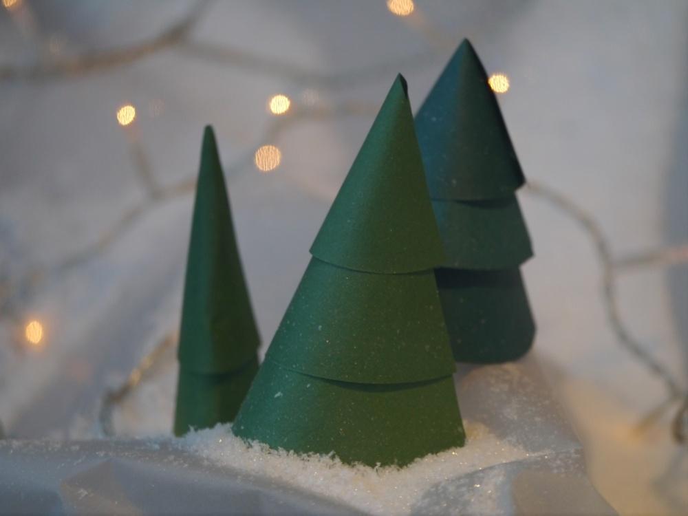 Bonpoint paper trees