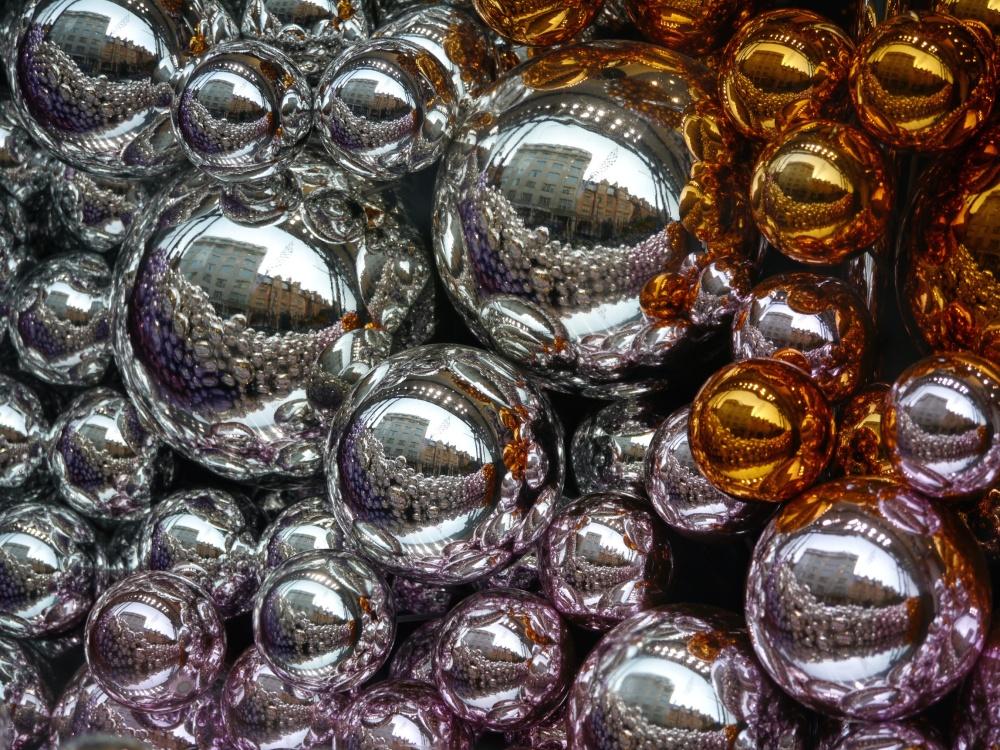 Dior balls