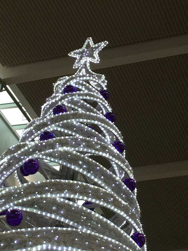Heathrow tree and star
