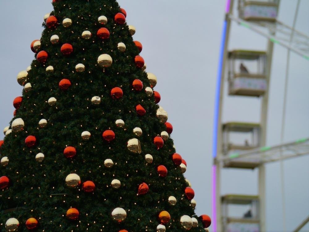 Winter Wonderland tree and wheel (1)