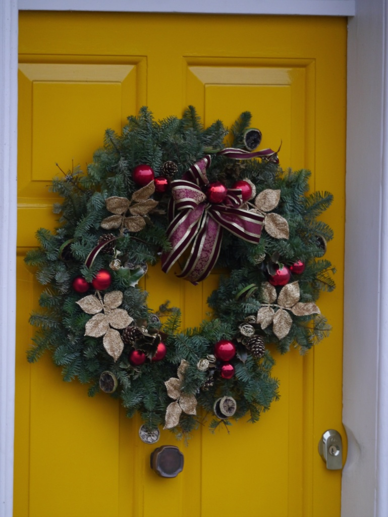 Wreath yellow door
